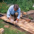 ガーデニング初心者向け、レンガの敷き方7つのコツ!お家で簡単DIY