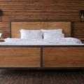 ベッドボードおすすめ10選!後付けできる枕元の収納棚や自作方法もご紹介!