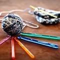 編み物でかわいい小物や雑貨を作る!人気の編み方やモチーフ6選をご紹介!