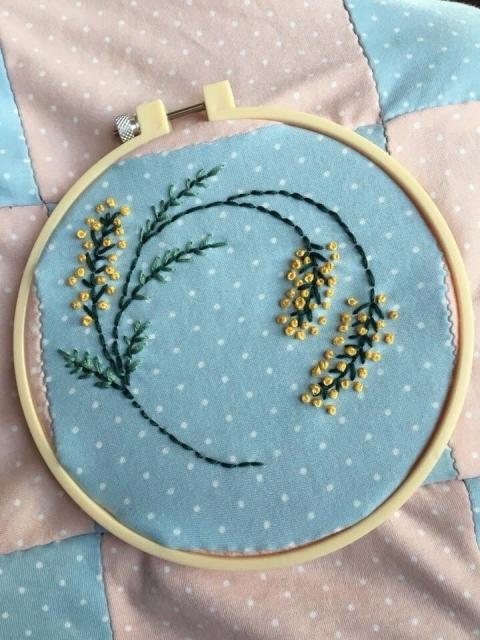刺繍 花 図案